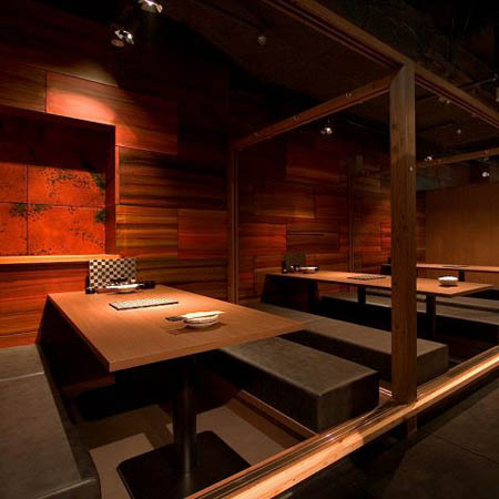 鶏っく HEP NAVIO店(大阪) 鶏料理居酒屋の内装?外観画像
