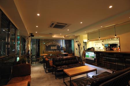 SERENE CAFE 288>