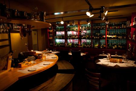 ワインとモツ料理のお店MOZ