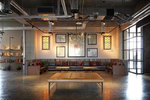 The WAREHOUSE ホテル?カフェ?レストラン?コワーキングスペースの内装?外観画像
