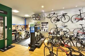 Le cyc AVANT 自転車専門店の内装?外観画像