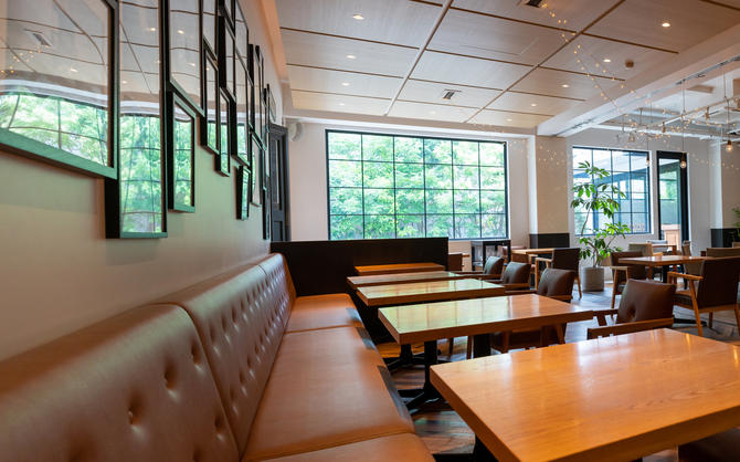 ゆとりを感じる飲食店の内装デザインのポイントは? 狭くても開放感のある店をつくる!