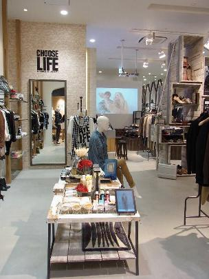 CHOOSE LIFE by KATHARINE HAMNETT 湘南テラスモール店