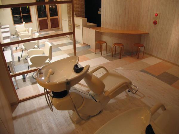 MONTBLANC 理容・美容院 [北山田]の店舗内装・外観情報