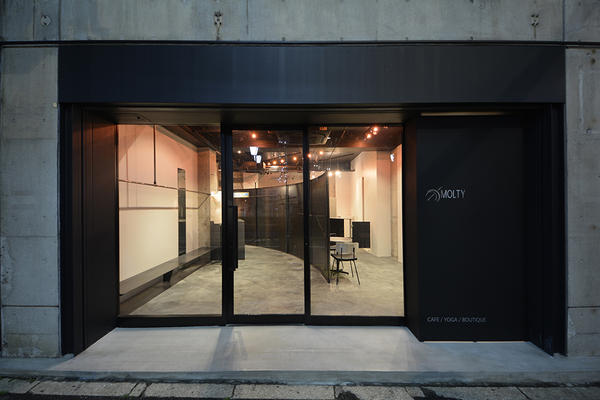 Boutique, Cafe & Yoga MOLTY アパレル カフェ ヨガの内装・外装画像