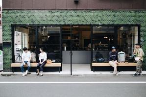 LEAVES COFFEE ROASTERS カフェ・パン屋・ケーキ屋の内装・外観画像